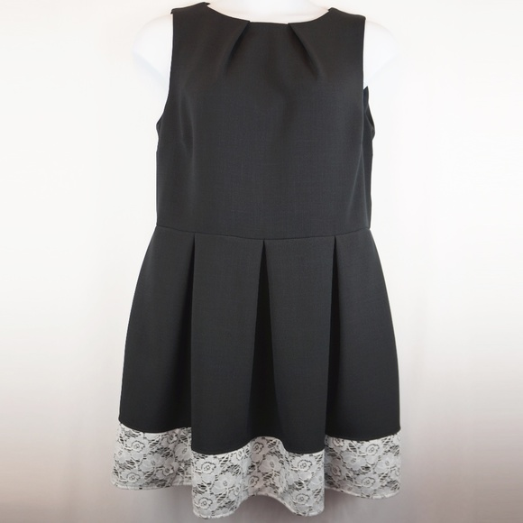 Modcloth Dresses & Skirts - Modcloth Closet London Dress Luck Be a Lady A-Line